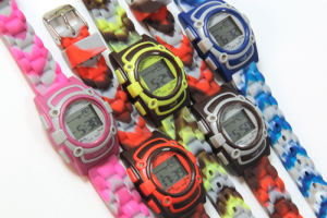 Rodger-Watch_21a multi color varia